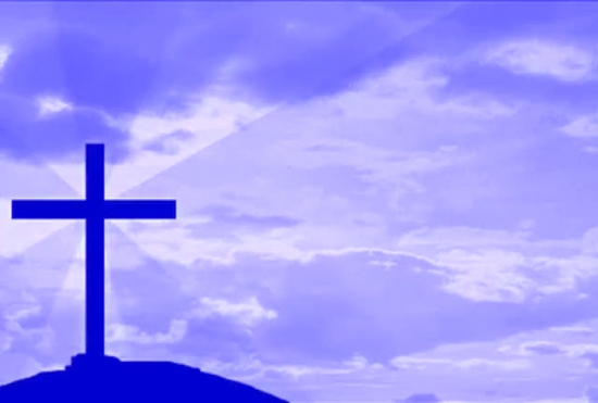 fondo  cruz y nubes azules