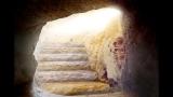 Inside Tomb Loop